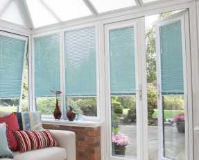 sky blue venetian blinds