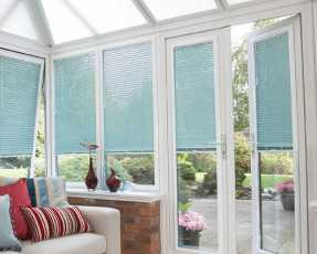 sky blue venetian blinds